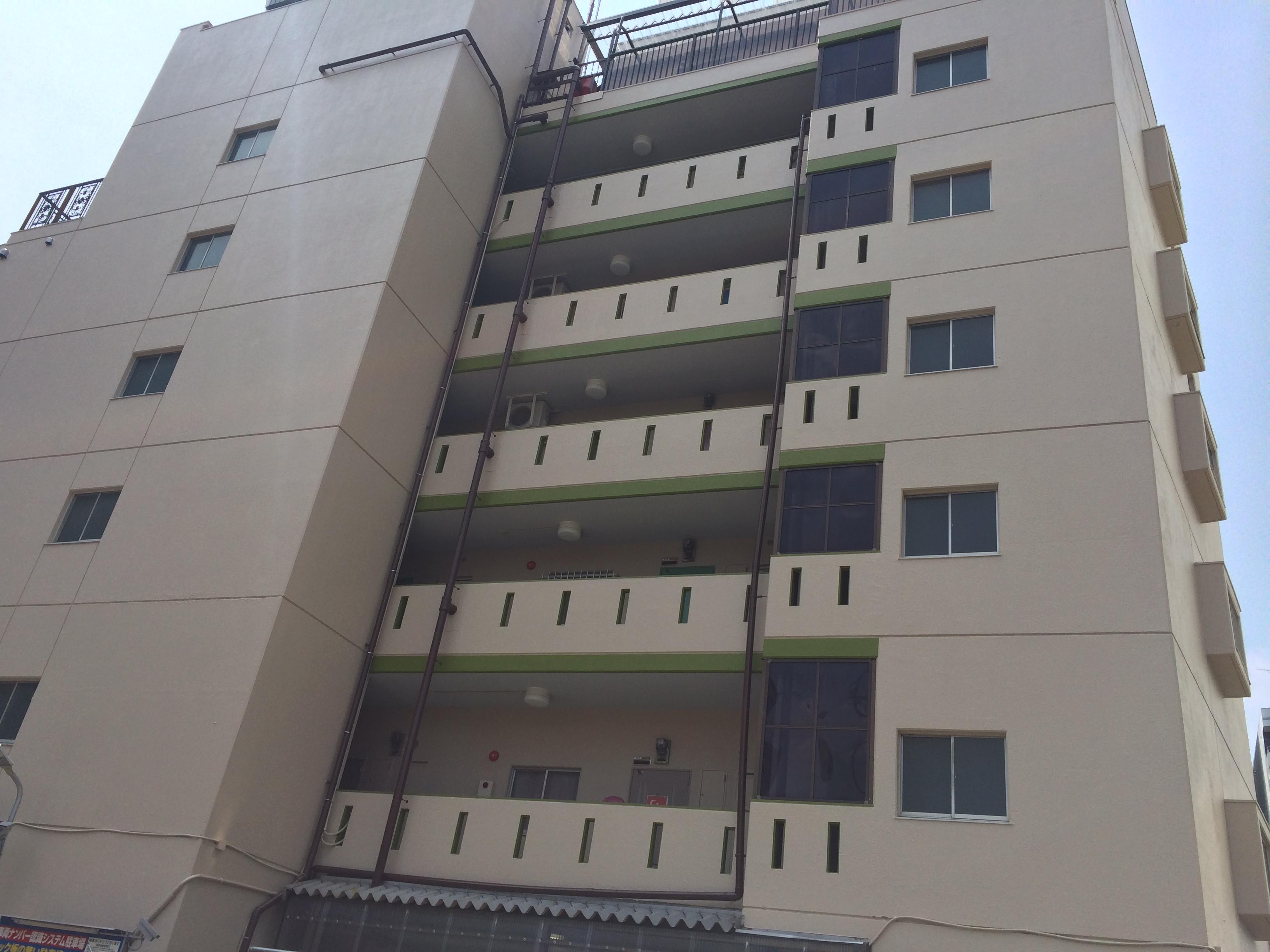 名古屋市中区某ビル、外壁塗装をご紹介します。 以前塗り替えをされてから、約10年ほどでの今回の塗り...