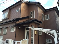 愛知県あま市、I様邸外壁・屋根塗装工事をご紹介させていただきます。 チョーキング、シーリングの割れ...