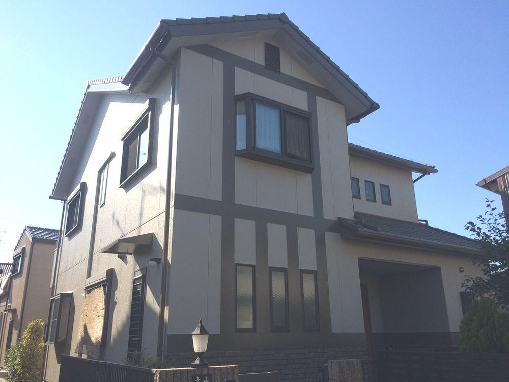名古屋市中川区 A様邸外壁塗装工事をご紹介させていただきます。 訪問業者に外壁のの劣化を指摘され...