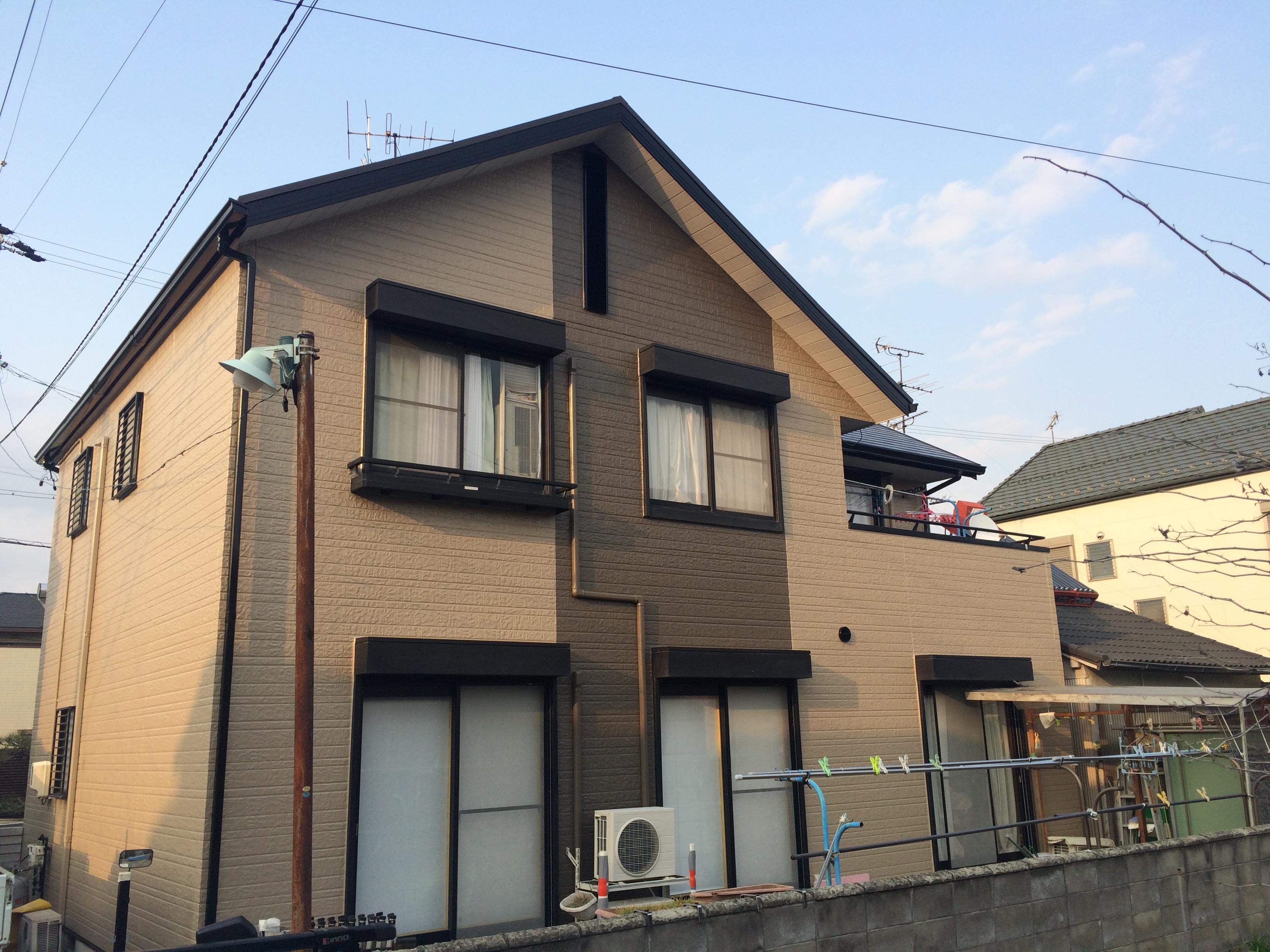 愛西市 Y様邸の外壁・屋根塗装工事をご紹介させていただきます。 築20年で一度、外壁屋根塗装を経験さ...