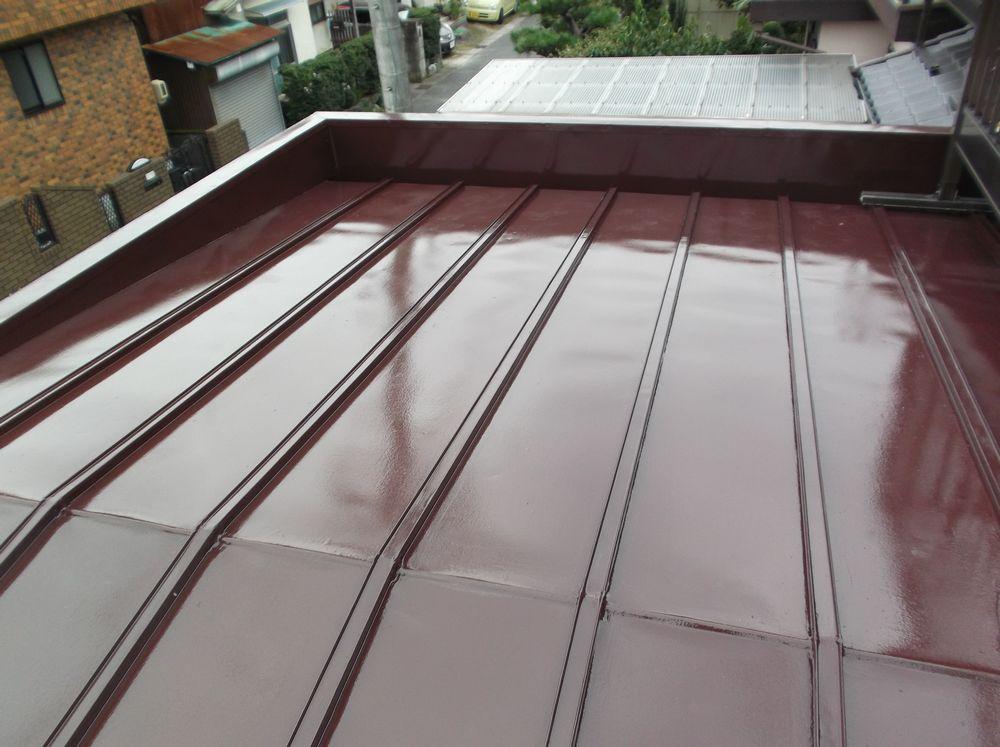 あま市 O様邸 屋根塗装工事をご紹介させていただきます。 瓦棒の屋根で現場調査させていただいてまず...