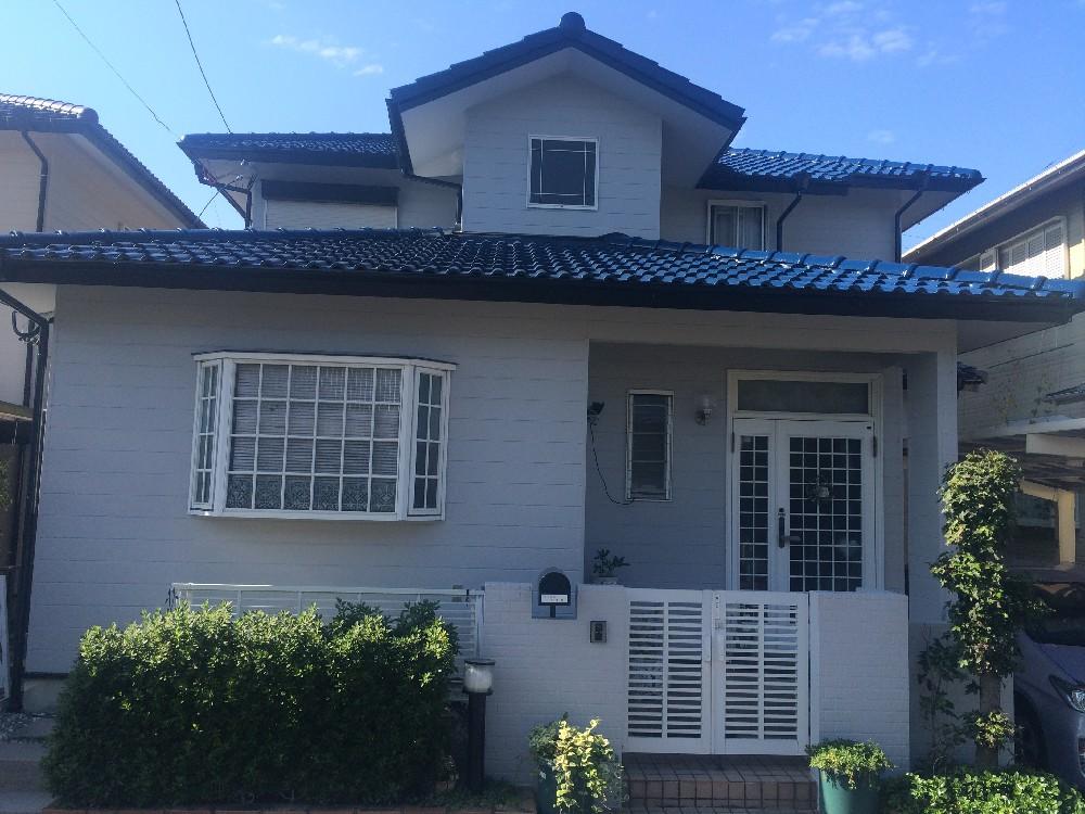 小牧市 K様邸 外壁・屋根塗装工事をご紹介させていただきます。 築28年。塗膜の劣化によりHPか...