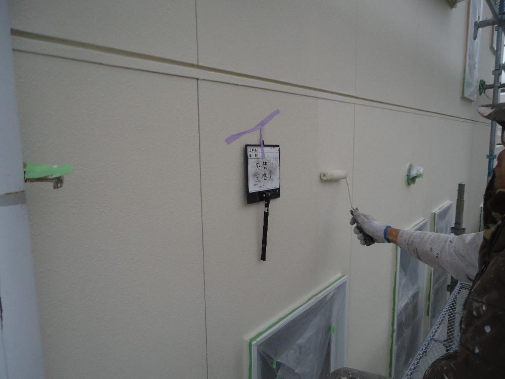 <p>外壁・サイディング 上塗り中です</p>