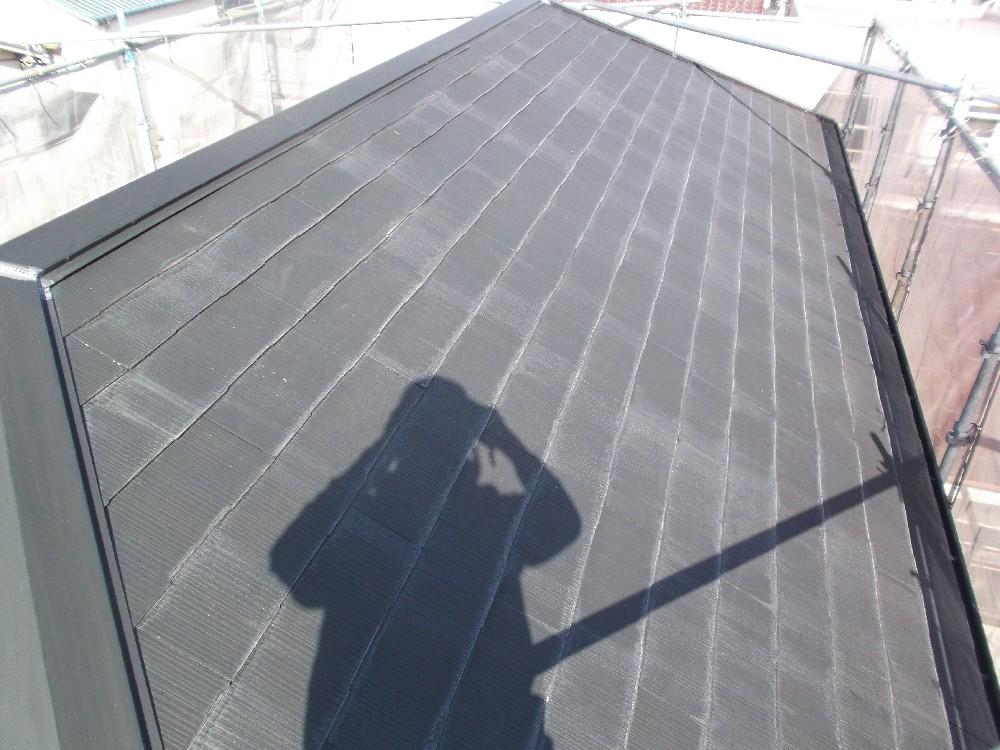 <p>屋根 カラーベスト 塗装前です</p>