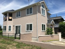 稲沢市 T様邸 外壁・屋根塗装工事をご紹介させていただきます。 築11年。 外壁にひび割れが出てき...