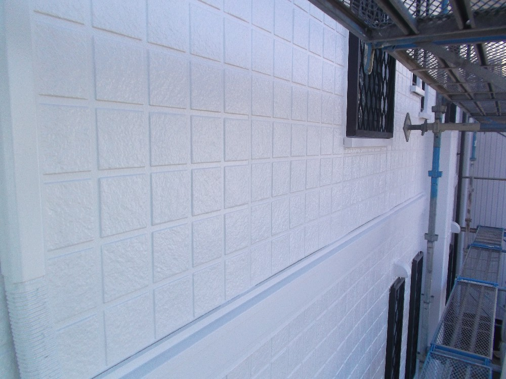 <p>壁完成。です</p>