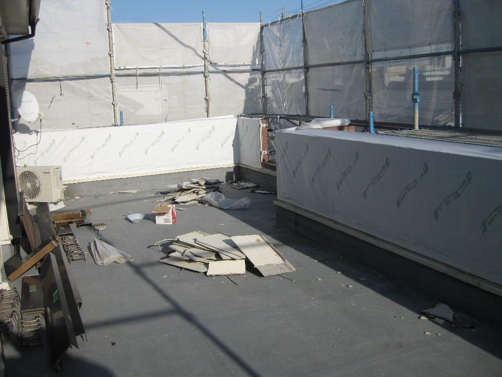 <p>外壁サイディング貼り替え 防水シート張り完了です</p>