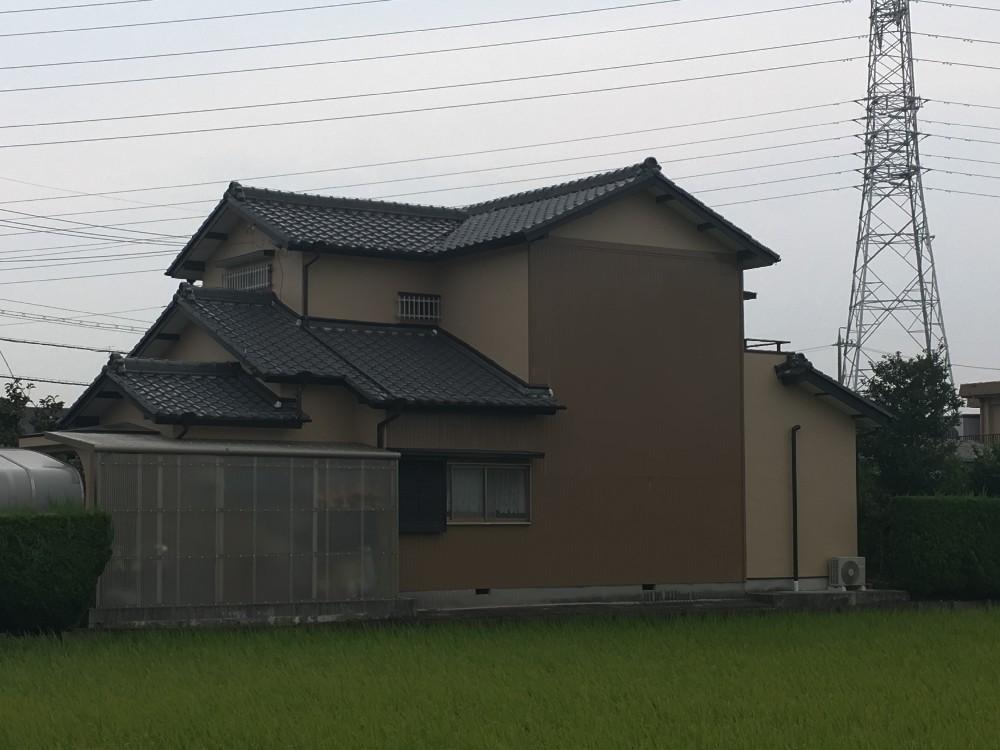 津島市 M様邸 外壁塗装工事をご紹介させていただきます。 築39年。 前回他社でリフォームされてか...