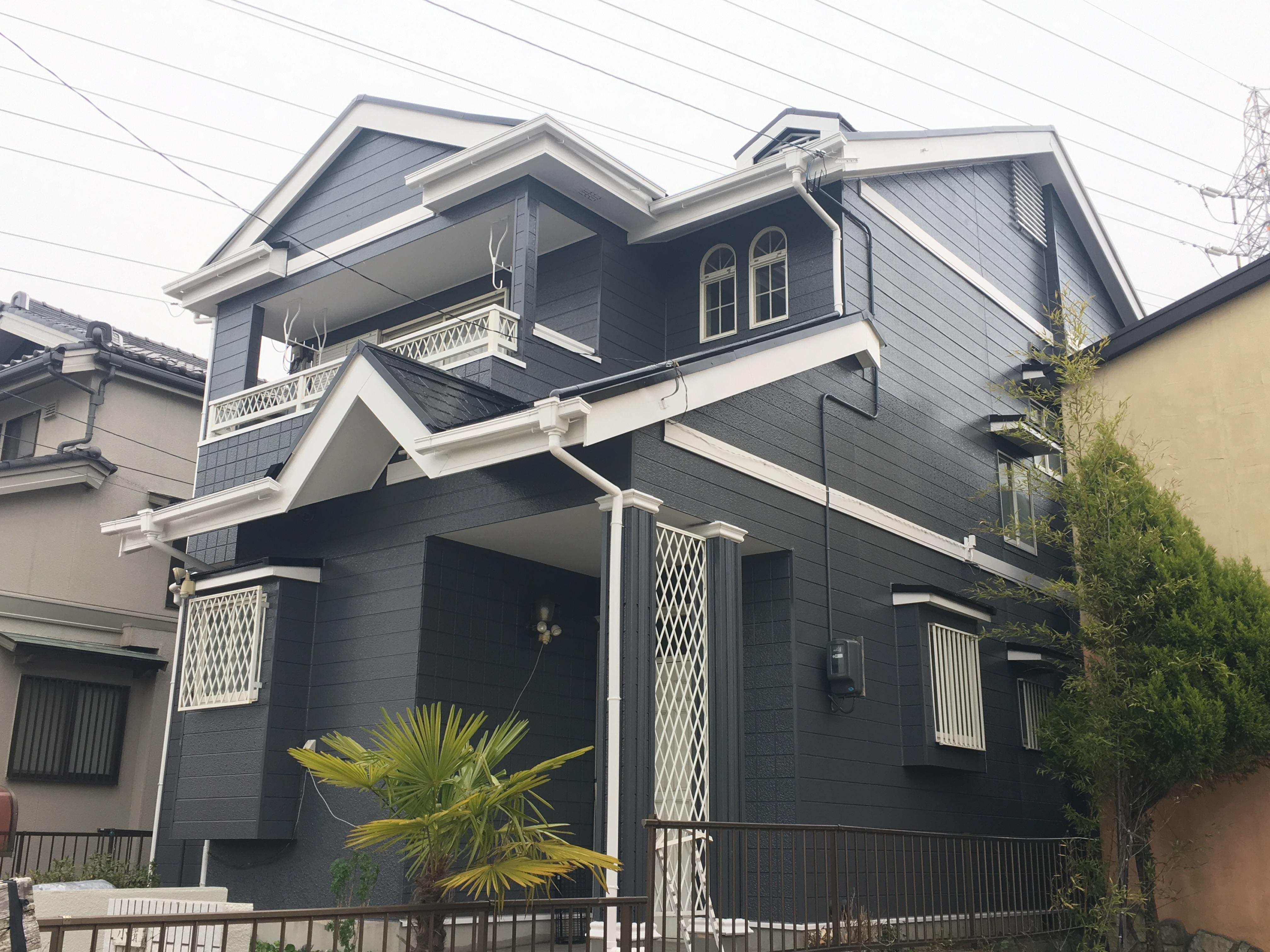 あま市 K様邸 外壁・屋根塗装工事をご紹介させていただきます。  築30年。 10年ぶり程の...