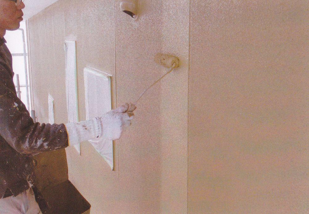 外壁サイディング。SPネオセラミコート1000塗装中です