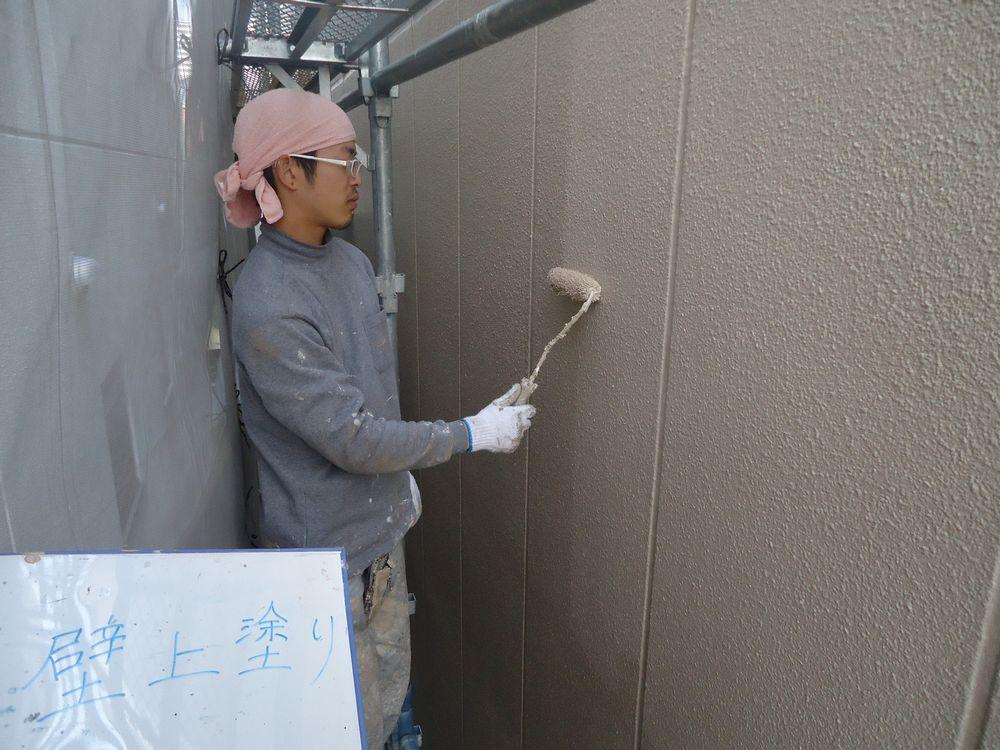 外壁ALC、上塗り塗装中です