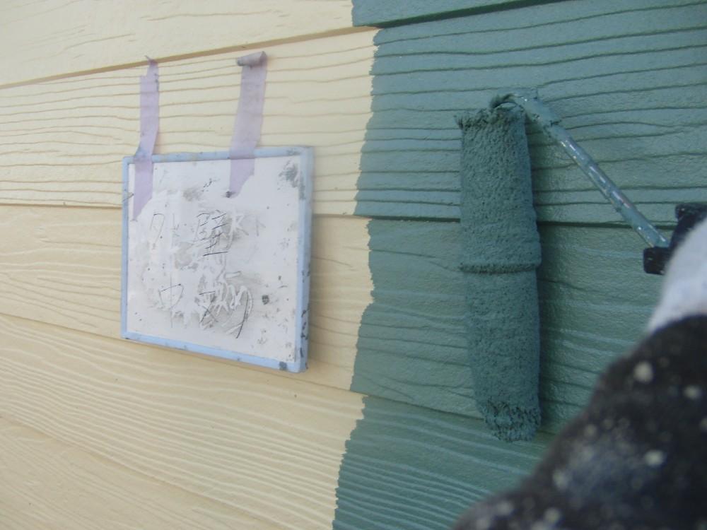 外壁・窯業系サイディング 中塗り中です