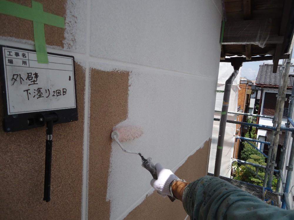ALC外壁 下塗り2回目今回は通常よりも密着を高める為、下塗りを二回施しまし