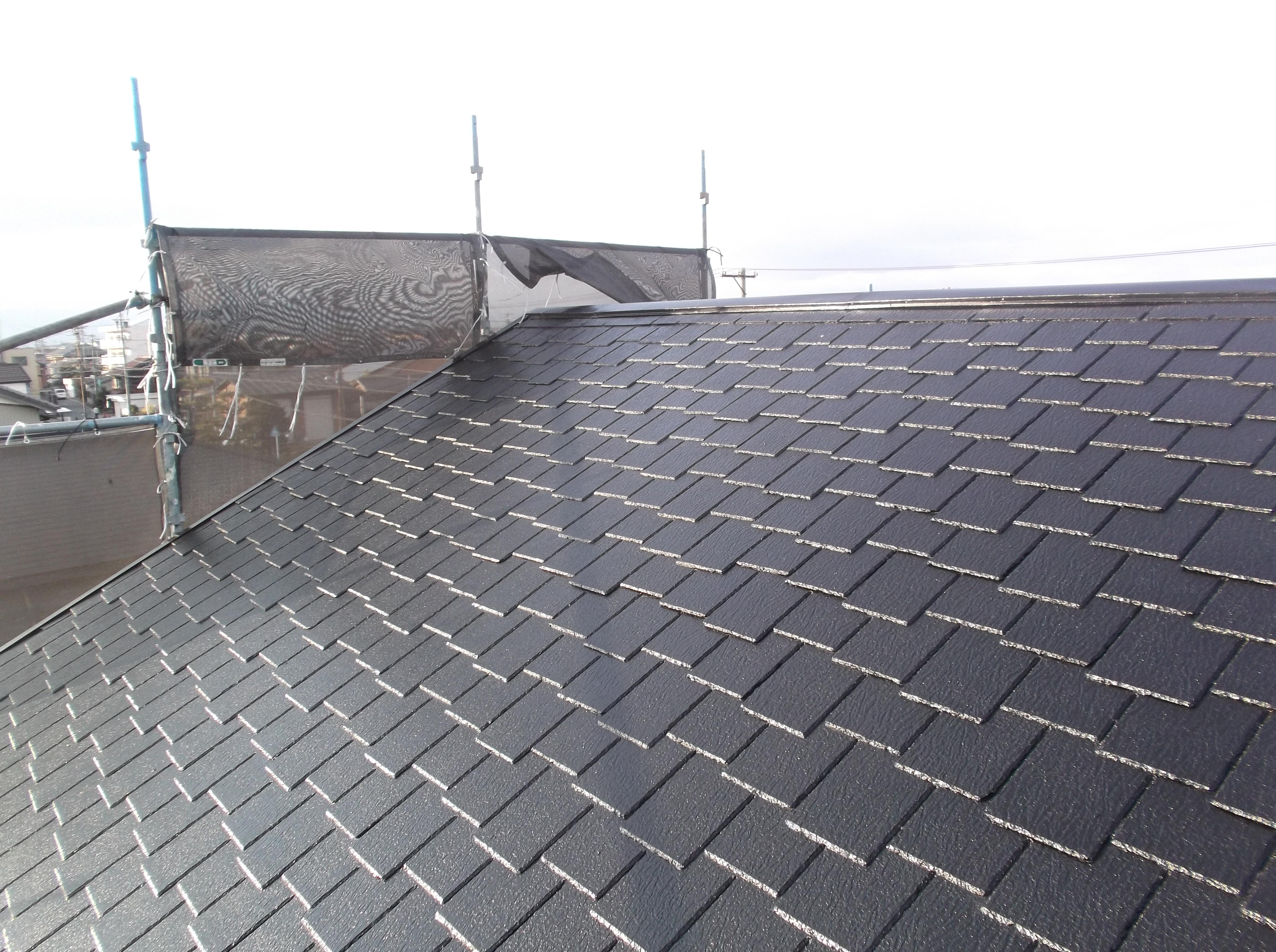 屋根塗装完了です。下塗りを三回。しっかりと下地強化に努めまし